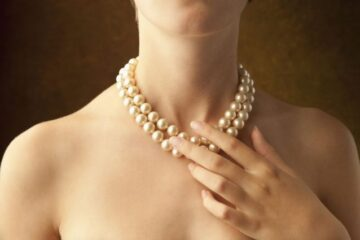 Beauty of Pearl Pendants – How Spending Here Is Beneficial For You