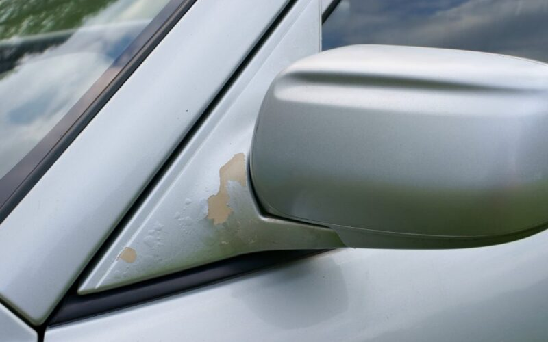 Tips to Ensure Your Car's Paint Doesn't Chip